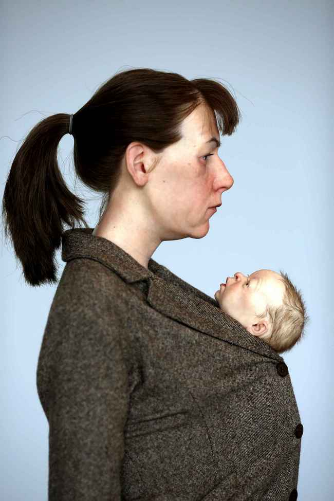 Ron Mueck- Mother and baby